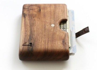 0bc9ba57244bf 2. Slim Timber Walnut Wood. walnut wood. Möchte man ein wirklich  ungewöhnliches Portemonnaie ...
